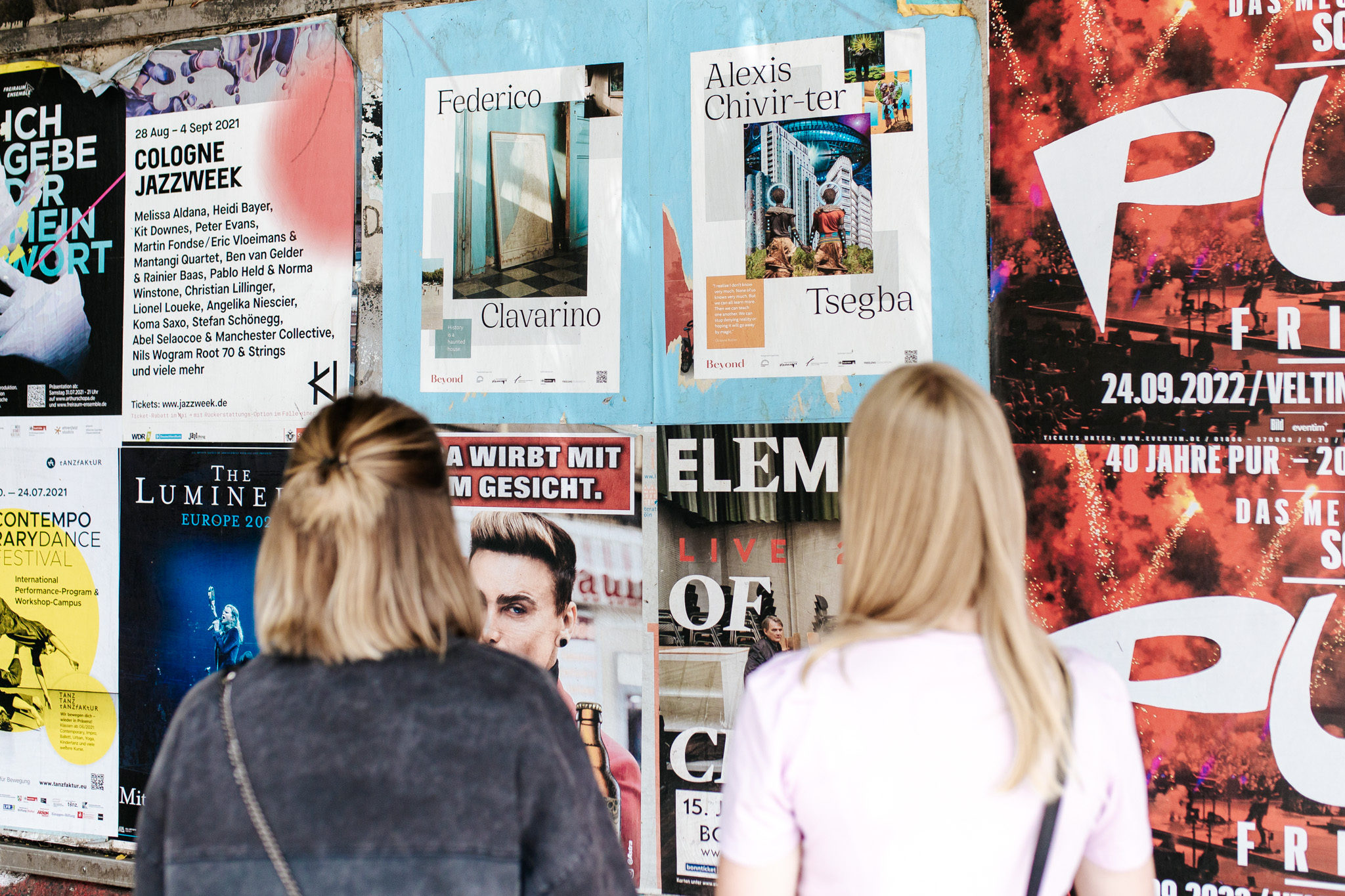 Close up, Beyond Poster in Cologne, Photo by Lea May